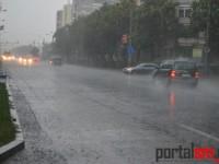 Cerul s-a rupt peste Sătmar. Ploaia torențială a inundat orașul (FOTO&VIDEO)