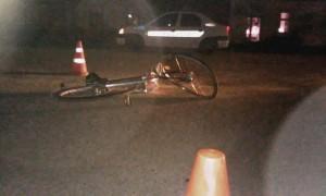 O femeie a ajuns la spital după ce a căzut de pe bicicletă