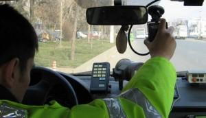 Inconștiență totală la volan. Cu ce viteză circula un tânăr printr-o localitate din Satu Mare