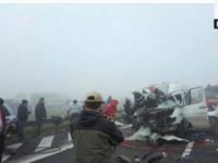 Carnagiu pe o autostradă din România. Morți, răniți, încarcerați (FOTO)