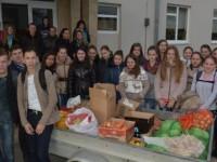 Mii de kg de alimente adunate de voluntarii SNAC