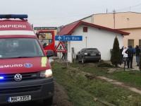 Imagini de la accidentul din Ardud. A intrat cu bolidul într-un magazin (FOTO)