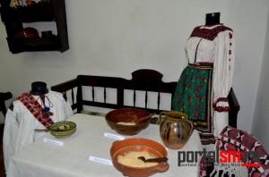 expozitia-oala-de-sarmale-a-bunicii-15