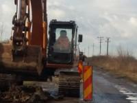 Au fost reluate lucrările pe drumul județean Mădăras-Tășnad (FOTO)