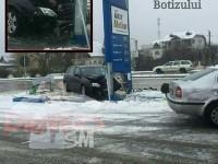 Accident în Satu Mare. A intrat în OMV-ul de pe Botizului (FOTO)