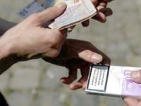 Vindea de acasă țigări de contrabandă. Acum are dosar penal