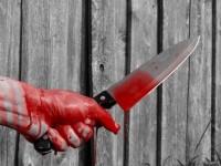 S-a înjunghiat cu cuțitul de șase ori. Alcoolul i-a luat mințile