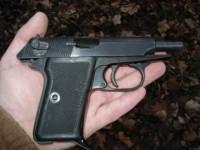 Foc de armă într-un post de poliţie din Satu Mare