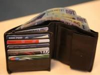 Un tânăr sătmărean a returnat un portmoneu găsit pe stradă