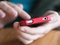 O fetiţă de 10 ani, prinsă după ce a furat un mobil