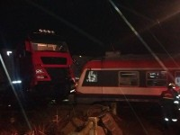 Accident la Botiz. TIR lovit de tren (FOTO& VIDEO)