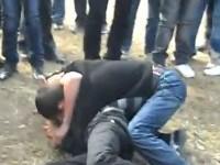 Bătaie între elevi pe dig. Poliția le-a stricat spectacolul (VIDEO)