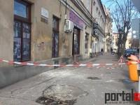 Atenție!!! Cade tencuiala de pe clădirile din Satu Mare (FOTO)