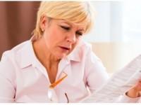 Ochelarii de citit, o necesitate după vârsta de 45 de ani?