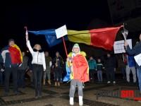 Emoţionant. Peste 2.000 de sătmăreni cântă imnul în Piaţa 25 Octombrie (VIDEO)