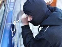 Un tânăr a fost reținut de polițiști după ce a spart mai multe mașini la Satu Mare
