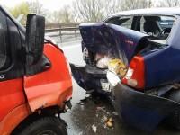 Accident pe Podul Golescu. Logan lovit din spate (FOTO)