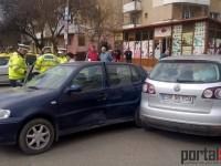 Accident grav în Satu Mare. Un șofer a ajuns la spital (FOTO)