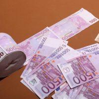 Servicii de oferire de împrumuturi bani