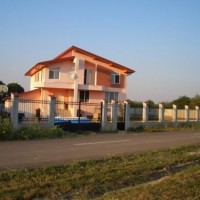 Vand casa in Lazuri